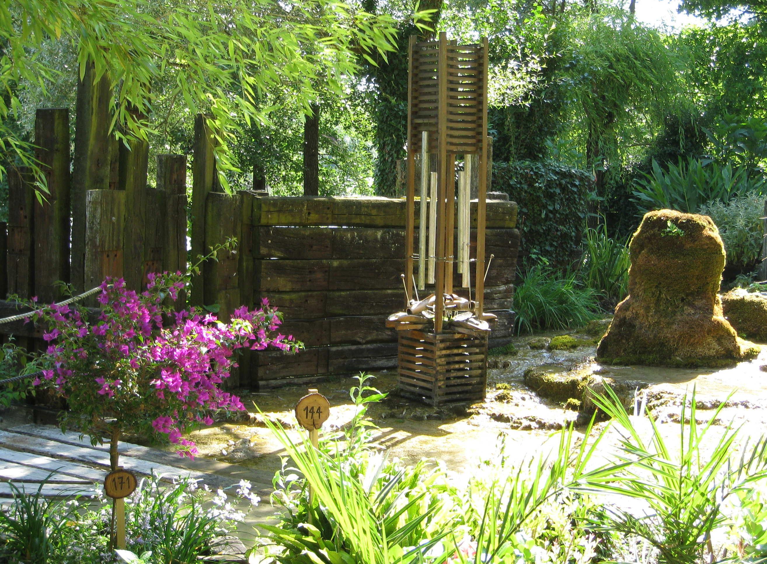 le bateau a roue vercors royans et le jardin des fontaines. Black Bedroom Furniture Sets. Home Design Ideas